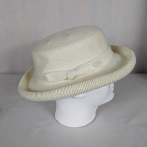 Isotoner Vintage Ivory Knit Bucket Hat Ribbon Knit